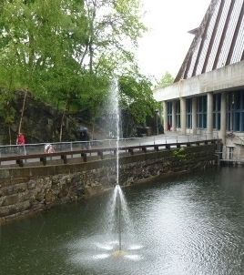 The Zetterström Fountain outside the Vasa Museum image. Click for full size.