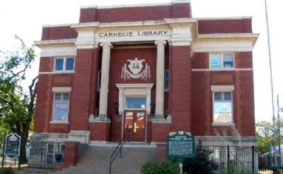 Newton Carnegie Library and Marker Photo, Click for full size
