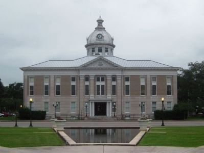 Old Polk County Courthouse (West Facade) image. Click for full size.