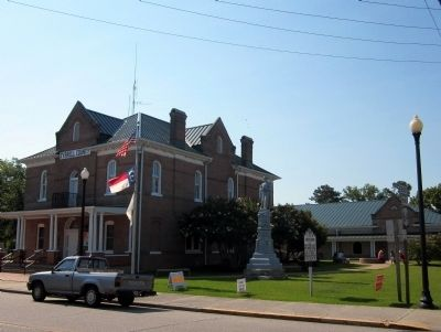 Tyrrell County Courthouse image. Click for full size.