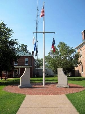 Tyrrell County War Memorial image. Click for full size.