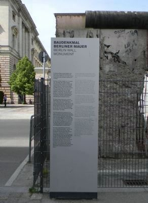 <i>Baudenkmal Berliner Mauer</i> [Berlin Wall Mounment] Marker Photo, Click for full size