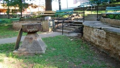 Grindstone Wash Basin and Marker Photo, Click for full size