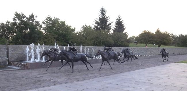 Thoroughbred Park Photo, Click for full size