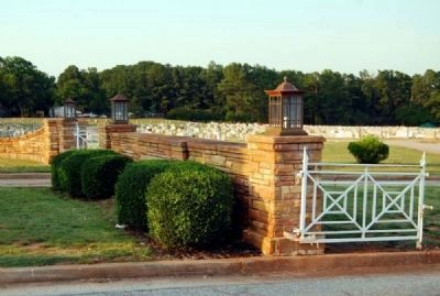 New Silver Brook Cemetery Entrance image. Click for full size.
