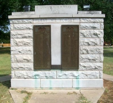 World War Memorial image. Click for full size.