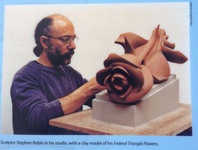 Sculptor Stephen Robin Photo, Click for full size