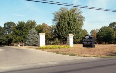 Entrance - - Roselawn Cemetery image. Click for full size.