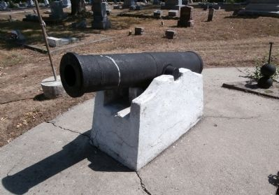 Left Cannon - - (No markings noted.) image. Click for full size.