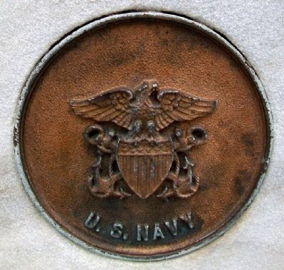 World War Memorial US Navy Medallion image. Click for full size.