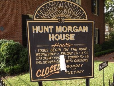 Hunt-Morgan House Hours image. Click for full size.