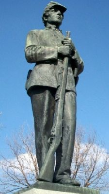 Civil War Memorial Statue Photo, Click for full size