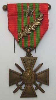 The Croix de guerre 1939–1945 (War Cross 1939–1945) image. Click for full size.