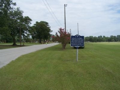 26th Inf Division Marker, seen looking north image. Click for full size.