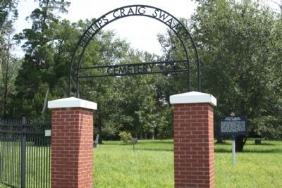 Philips ~ Craig Swamp Cemetery entrance and marker image. Click for full size.