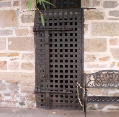 Metal Grate Outside Door image. Click for full size.