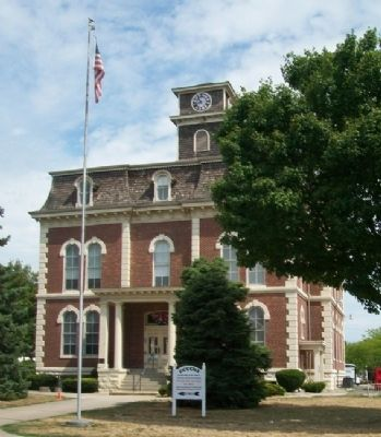 Effingham County Courthouse Photo, Click for full size