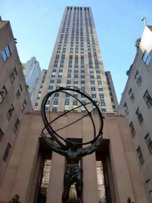 <i>Atlas</i>: art deco sculpture by Lee Laurie (1937) Photo, Click for full size