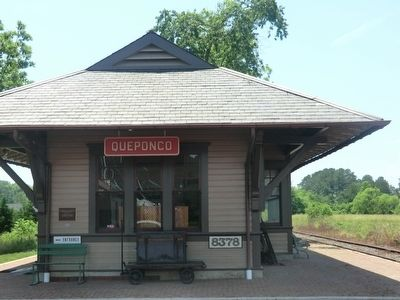Queponco Railway Station image. Click for full size.