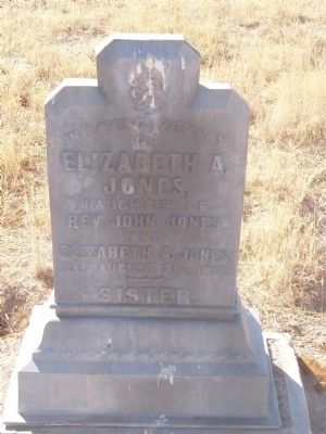 Grave at Estrella Adobe Church Photo, Click for full size