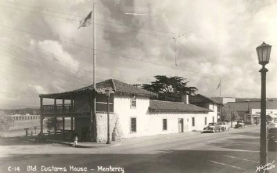 Early Postcard Image of the Custom House image. Click for full size.
