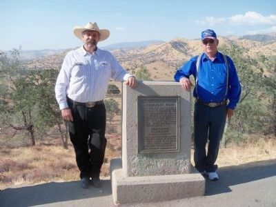 Tehachapi Loop Monument image. Click for full size.