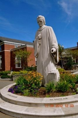 Noah Webster Statue created by Korczak Ziolkowski Photo, Click for full size
