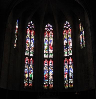 Stain-glass window in the Church of Saint Etienne image. Click for full size.