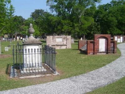 Colonial Park Cemetery image. Click for full size.