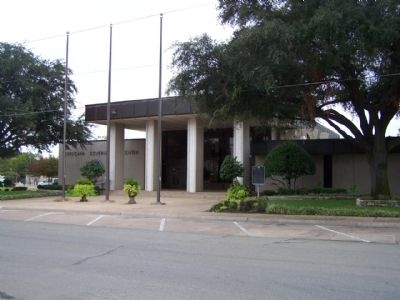 Corsicana Marker at 200 N. 12th Street image. Click for full size.