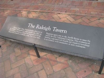 The Raleigh Tavern Marker Photo, Click for full size