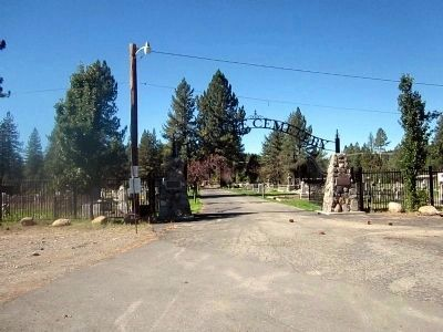 Sierra Mountain Cemetery and Marker image. Click for full size.