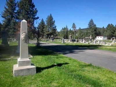 Sierra Mountain Cemetery image. Click for full size.
