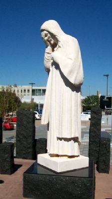 And Jesus Wept Statue Photo, Click for full size