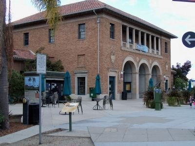 Fire Station No. 1 / Redwood City Main Library image. Click for full size.