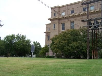 Thomas Ingles Smith Marker on Navarro County Courthouse northwest lawn image. Click for full size.