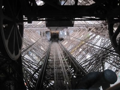 Elevator track on the Eiffle Tower image. Click for full size.