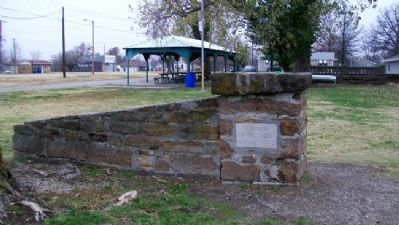 War Memorial Marker and Park image. Click for full size.