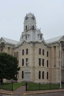 Courthouse Bell Tower and Confederate Memorial image. Click for full size.