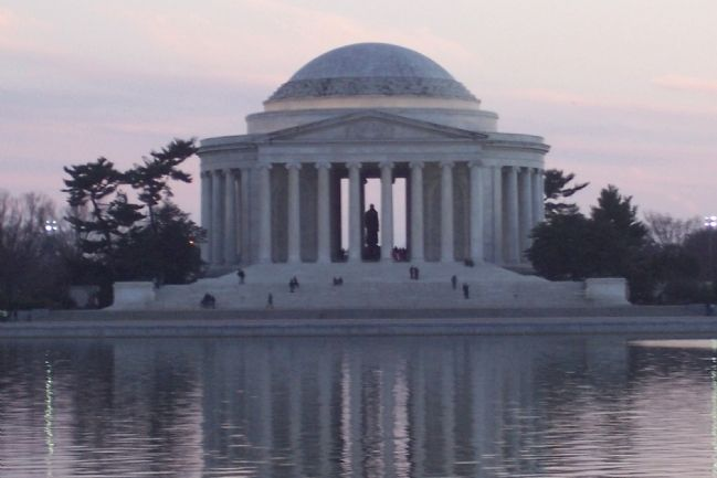 Thomas Jefferson Memorial image. Click for full size.