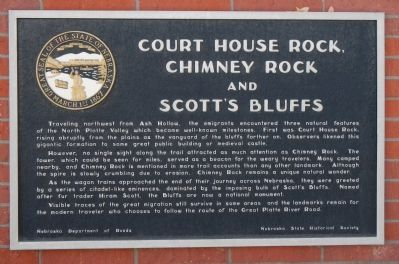 Court House Rock, Chimney Rock and Scott's Bluffs Marker image. Click for full size.