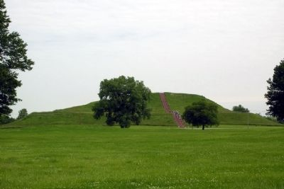 South Ramp of Monks Mound image. Click for full size.
