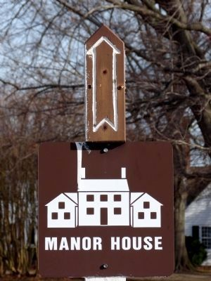 Manor House sign image. Click for full size.