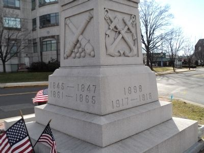 Right Side of War Memorial image. Click for full size.