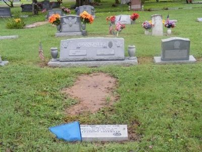 Sgt. Alfredo Freddy Gonzales gravesite image. Click for full size.