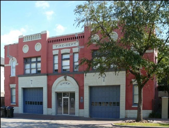Houston Fire Station No. 7 image. Click for full size.