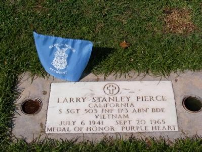 Gravesite of Larry Pierce at Wasco Memorial Park image. Click for full size.
