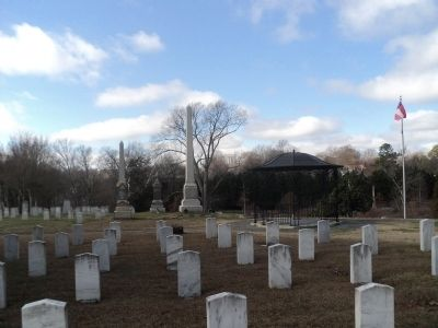 Confederate Graves in Oakwood Cemetery image. Click for full size.