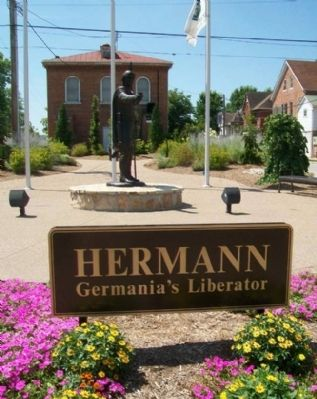 Hermann: Germania's Liberator Marker & Statue image. Click for full size.
