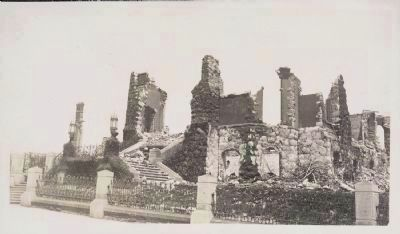 William Crocker Mansion - Ruins After the Earthquake and Fire of April 1906. image. Click for full size.